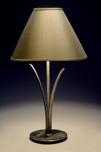 Cattail Leaf Table Lamp