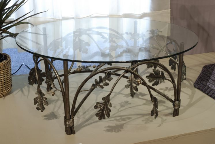 Oak Leaf And Acorn Tail Table